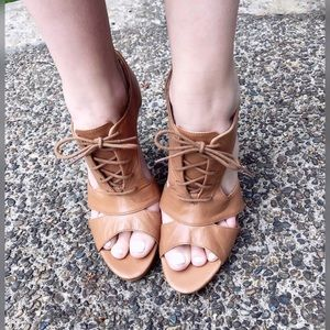 Cool Chick, LEVITY, lace up heels!!